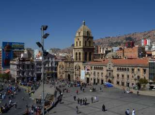 Arrival of the night bus in La Paz and day off